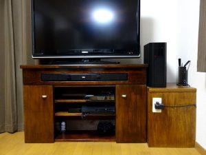 スピーカー埋め込みテレビ台