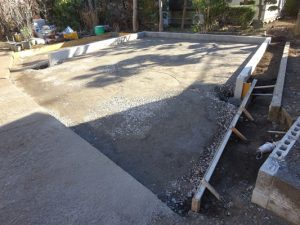 基礎工事 砂利敷き