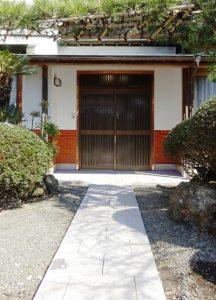 玄関引戸2