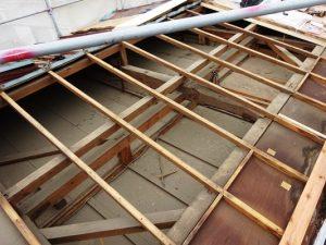 2階屋根解体